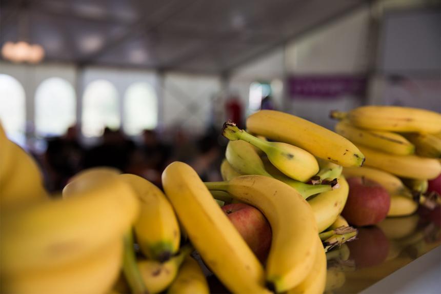 Im Zelt gibts Obst*