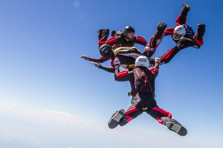 Vorgestellt: Das FS 4er Team Sky4s – Skydive Stadtlohn
