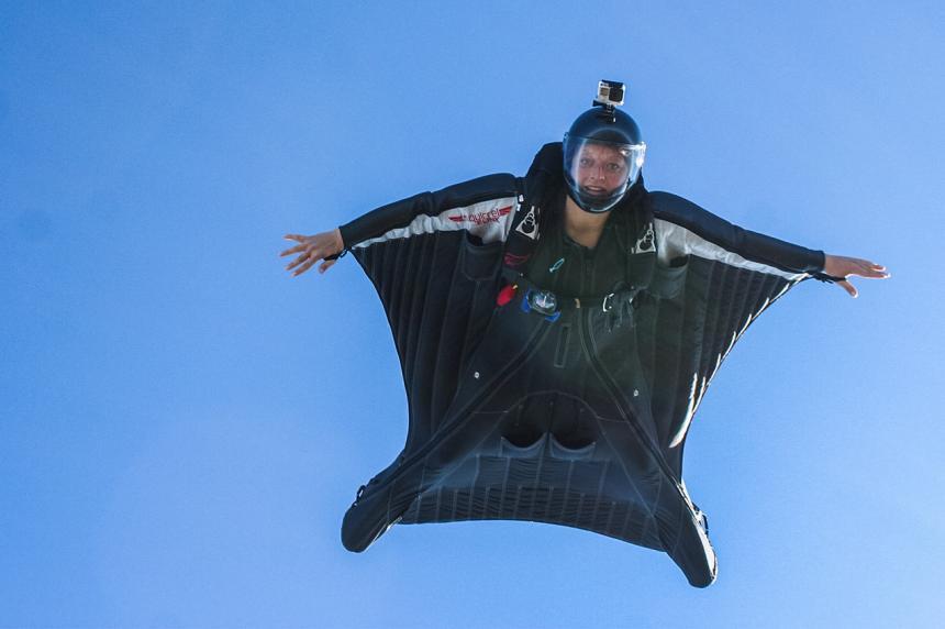 Wingsuit Acrobatic —die Bad Birds werden Deutscher Meister